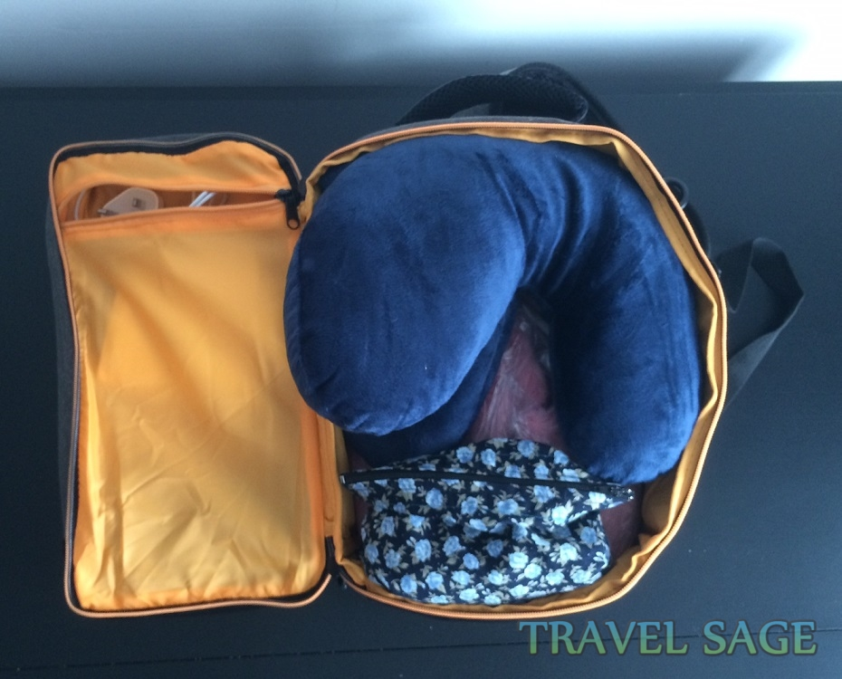 Cabin Max Oxford Stowaway Bag Review