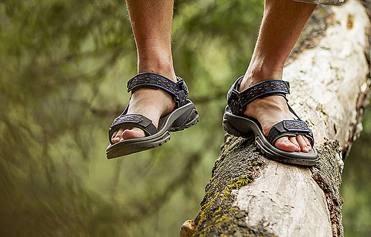 711ab5373 Top 5 Best Men s Walking Sandals