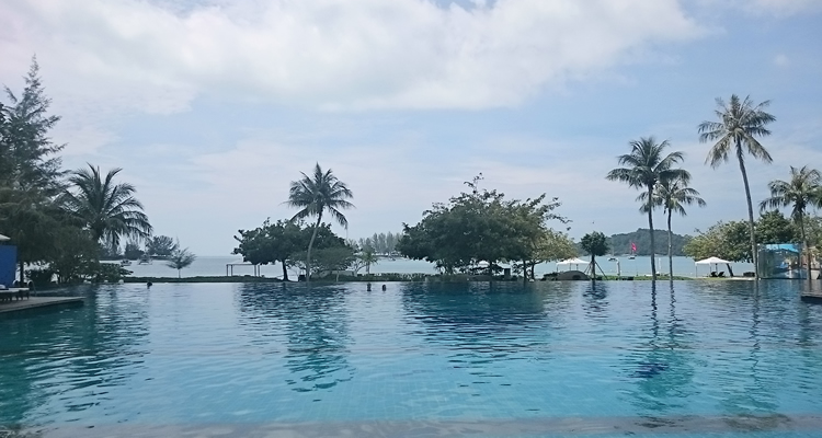 The Danna Hotel Review, Infinity Swimming Pool