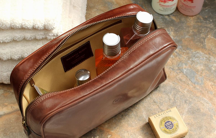 Top 10 Best Ladie's Travel Wash Bags